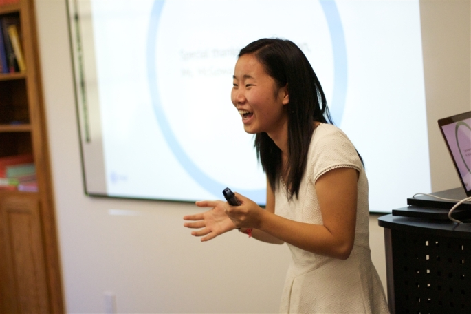 Nu Xiong CdeP 2013 presents her senior exhibition project to a captive audience.